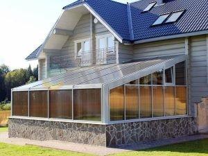 фасад дома из поликарбоната